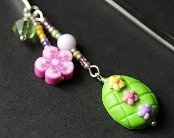 Green Easter Egg Bookmark. Polymer Clay Beaded Bookmark. Easter Bookmark. Book Hook Book Charm. Handmade Bookmark.