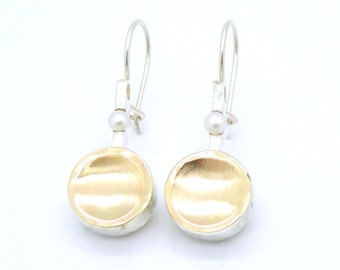 Silver earrings with pearls and brushed gold