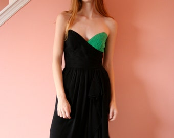 Vintage Silk Dress / Pleated Cocktail Dress / Strapless Sweetheart / Gulp! / One Green Boob Dress / LBD / Slit Dress / Size Small 0-2 sm