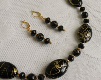 Black Gold Vein Acrylic and Glass Necklace and Earring Set 2