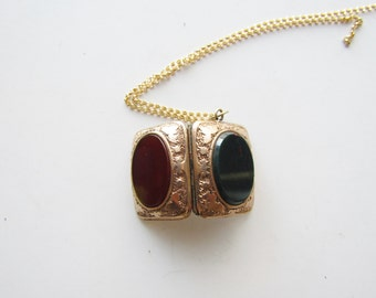 Victorian Locket With Bloodstone And Carnelian Tin Type Photos c.1880s