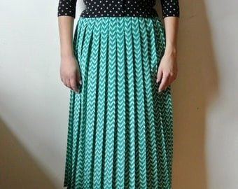 SALE - Vintage Green Chevron Printed Skirt Elastic Waist Pleated Size Small Medium Gift For Her