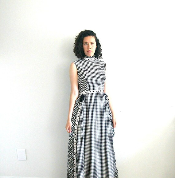 Vintage 60s Dress /  gingham dress / alternative wedding  / black and white / maxi / tea dress / bridesmaid dress / checkered dress / M
