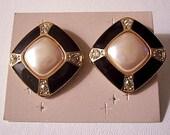 Pearl Crystal Black Band Diamond Pierced Post Stud Earrings Gold Tone Vintage Avon Striped Edges Round Rhinestone Accents