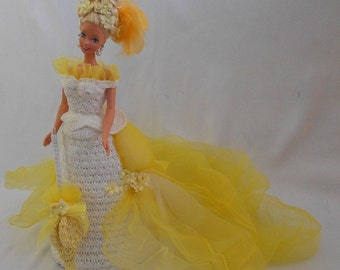 Victorian Doll,Yellow Bustle Doll,Fashion Doll,White Yellow Crochet Doll