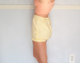 high waisted hand made vintage shorts, small