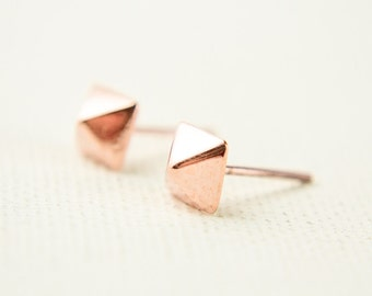 Pyramid Stud Earrings, Rose Gold Shiny, Tiny Pyramid Studs, Geometric Jewelry, Minimalist Earrings, Punk Style, Modern Jewelry, Gift, STD020