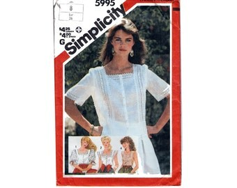 "Women's Romantic Blouse Sewing Pattern Tucks Eyelet Gathered Sleeves Square Neckline 80s Size 8 Bust 31.5"" (80 cm) Simplicity 5995 S"