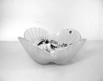 Vintage Serving Bowl Frosted Scallop Shell Design Crystal By HOYA Corp Made In Japan Mid Century