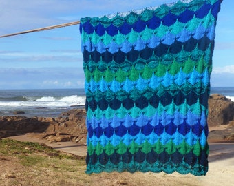Knit Blanket Pattern - Mermaid Sea Clamshell Blankie - Reversible unique stitch photo tutorial - Instant DOWNLOAD