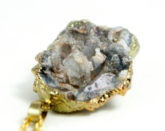 Raw Druzy Necklace - Natural Agate Druzy Pendant Necklace - Sparkle Druzy Grey - DGN34
