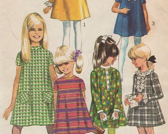 """1967 Girls' Dress With Detachable Neck and Sleeve Trims Simplicity 7278 Size 7 Breast 25"""""""