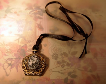 Gothic Lolita Victorian Cameo Poison Perfume Bottle Pendant