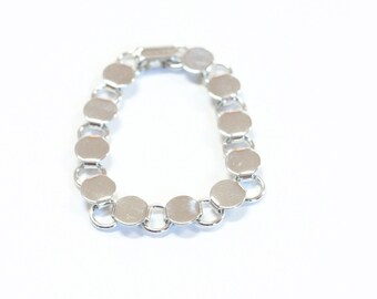1 Silver Tone Disk and Loop Bracelet with Glueable Pads