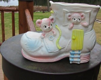 Vntg Planter Napcoware Baby Bear Boot