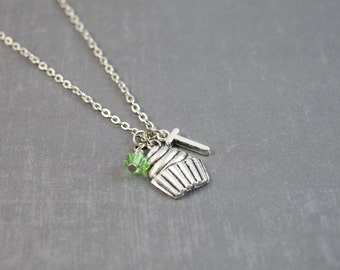 Silver Cupcake Necklace, Cupcake Pendant, Cupcake Jewelry, Personalized Necklace, Silver Initial Necklace, Sweet Necklace, Birthday Jewelry