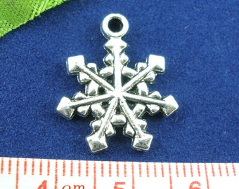 WHOLESALE 40 Snowflakes Charms - 20x16mm - Ships IMMEDIATELY from California - SC772a