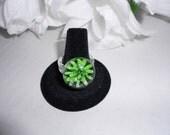Green Flower Round Glass Ring