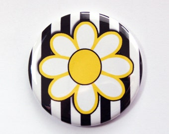 Pocket mirror, purse mirror, Flower Mirror, Daisy, Black White Yellow, Daisy Mirror, gift for her (3641)