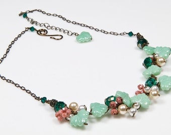 Mint Green Beaded Necklace, Peach Green Floral Necklace, Nature Jewelry, Bridal Jewelry, Mint Green Leaf Necklace with pearls and crystals
