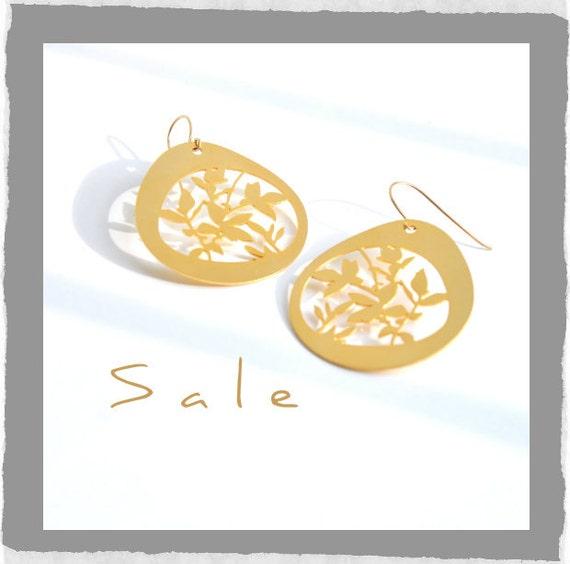 Floral earrings, Statement earrings, Unique gold earrings, Drop and dangle earrings, Large gold earrings, Art earrings