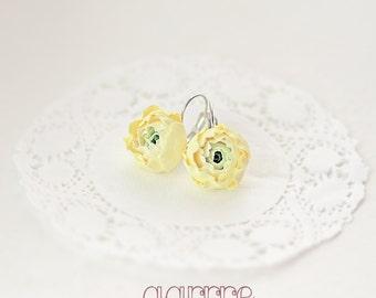 Handmade yellow buttercup earrings, flower earrings, buttercup, ranunkulyus, peony