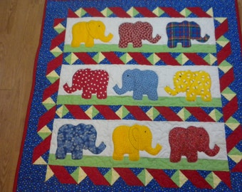 Baby quilt/ Elephants on parade