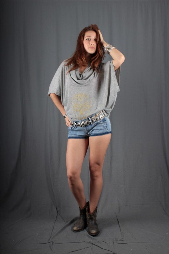 Women blouse grey screen printed skull with flowers  in gold Hi Low cowl neck size S small