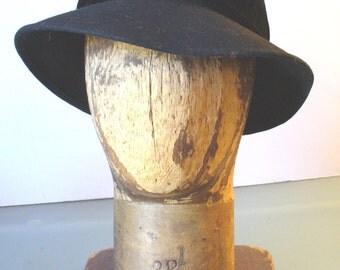 Vintage Soprattutto Black Wool Cloche Hat Made in Italy