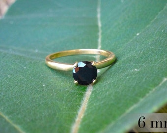 Black Spinel Gold Ring, Black Diamond Alternative, Engagment Ring, 6mm (1 ct) Black Spinel, 14k Gold Ring with Black Spinel Gemstone