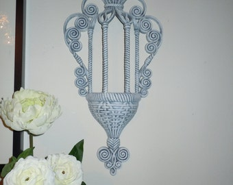 Painted Wall Pocket. Wall Vase.  Homco. Burwood. Syroco. Wall Decor. Wall Hanging.  Cottage Chic Design