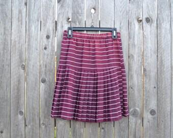 Vintage Maroon Pleated Skirt// Small/ Xsmal// Striped