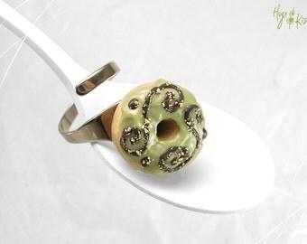 Scented Khaki Donut Ring, Doughnut Ring, Mini Food Jewelry, Polymer Clay Food Miniature, Kawaii Ring, Donut Jewelry, Donut Green Ring