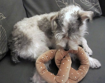 Ready to ship: NYC Pretzel Dog Toy w/ Squeaker