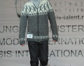 """PDF Knitting Pattern Lopapeysa Men's Cardigan """"Running Hares"""" 100% Icelandic Lett Lopi Wool"""