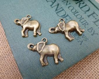 6x Elephant Charms, Antique Brass Pendants P143