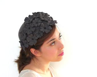 Flower felt hat / Grey felt hat with flowers / Wool felt cap / Millinery handmade / Grey wool millinery hat / Derby hat / Floral hat