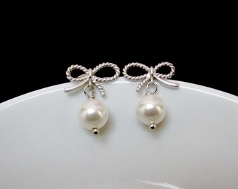 Bow pearl earring , Pearl bow earring , pearl silver earring , silver bow earring , ribbon earring sterling silver posts