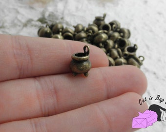 10 Charms Cauldron - antique bronze tone - SP24