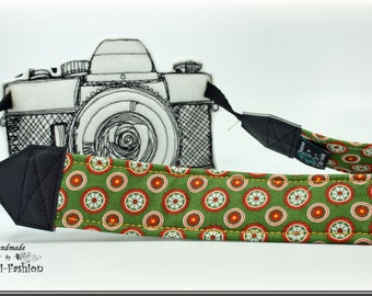 Camera strap, DSLR, green dots