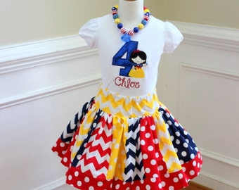 Snow White birthday outfit. Birthday shirt with matching skirt in yellow, navy blue and red. Princess skirt set. Size 2t 3t 4t 5t 6 8 10 12