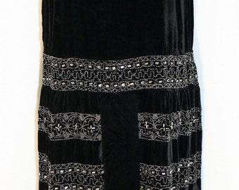 1920s Silk Velvet Beaded Flapper Dress Sz 12 Art Deco Museum Quality Sleeveless