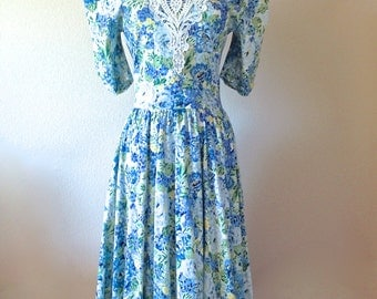 Lace Collared Blue Floral Print Dress by Expo Size 8