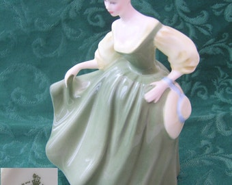 HN2193 - Royal Doulton Figurine - Fair Lady