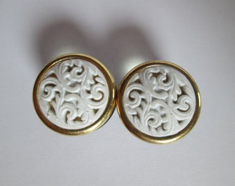 Gold and White Filigree Plugs - Available in 3/4 in and 7/8 in