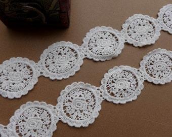 Vintage Off-white Lace Trim, Cotton Lace Applique, Rose Design, 2 Yards