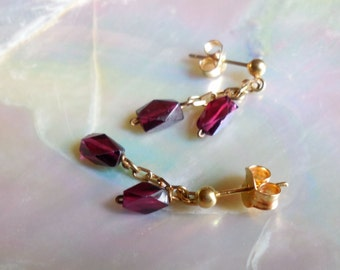18k solid Gold and Garnets earrings