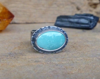 Turquoise and sterling silver wide band ring // Size 7 // Turquoise jewelry // Textured // Oxidized // Metaphysical // Handmade