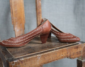 1980s Chestnut Brown Woven Leather Heels