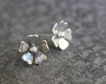 Flower ear studs, flower stud earrings, sterling silver flower earrings, post earrings, everyday earings, silver earrings stud